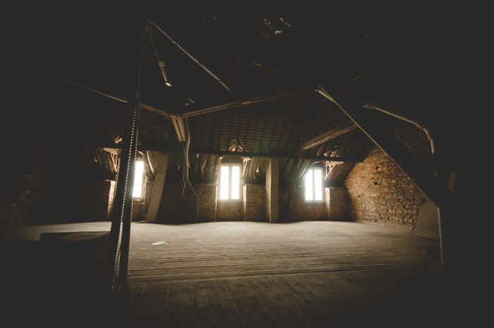 Un grenier transformé en studio photos, le pariréussi du photographe Patrice Dorizon, en Bretagne.
