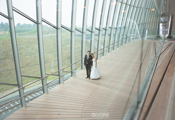Photo de couple dans une gare