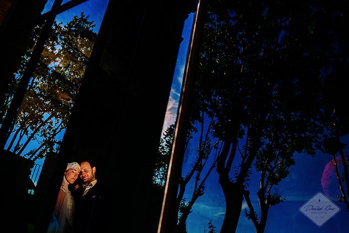Couple au soleil couchant - Mariage -