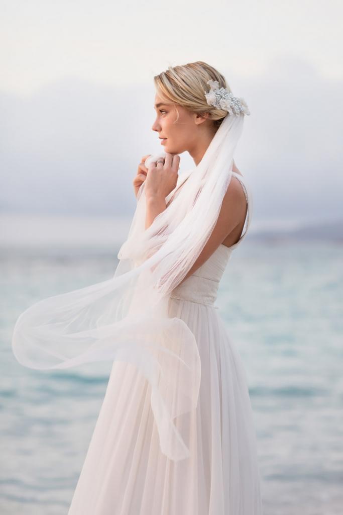 Jolie mariée au bord de mer - Claude Masselot