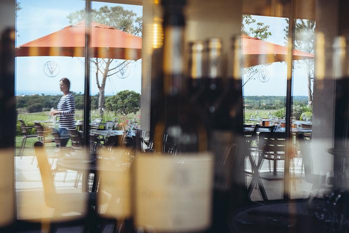 vitrine de café - france
