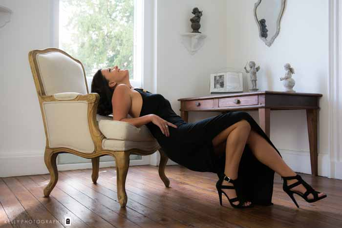 Femme fatale, la photographie boudoir selon kelly