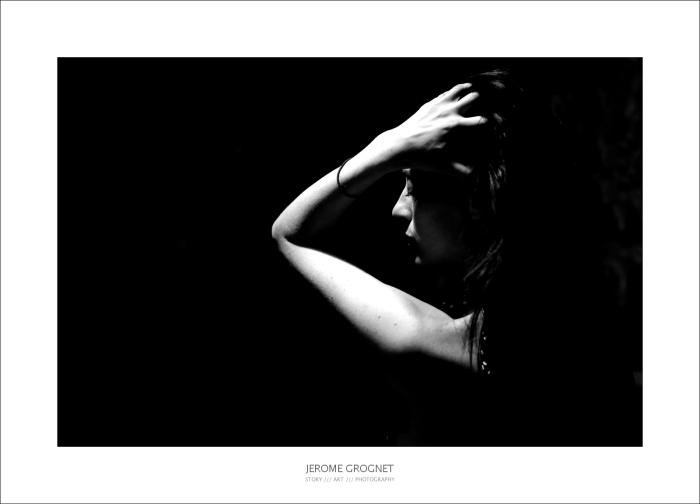 Portrait de femme, clair obscur - noir et blanc