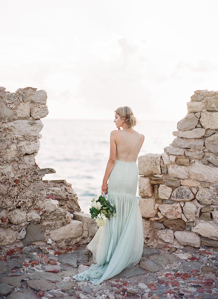 La mariée - Photographie argentique - Plage - Marie Filmphotographer