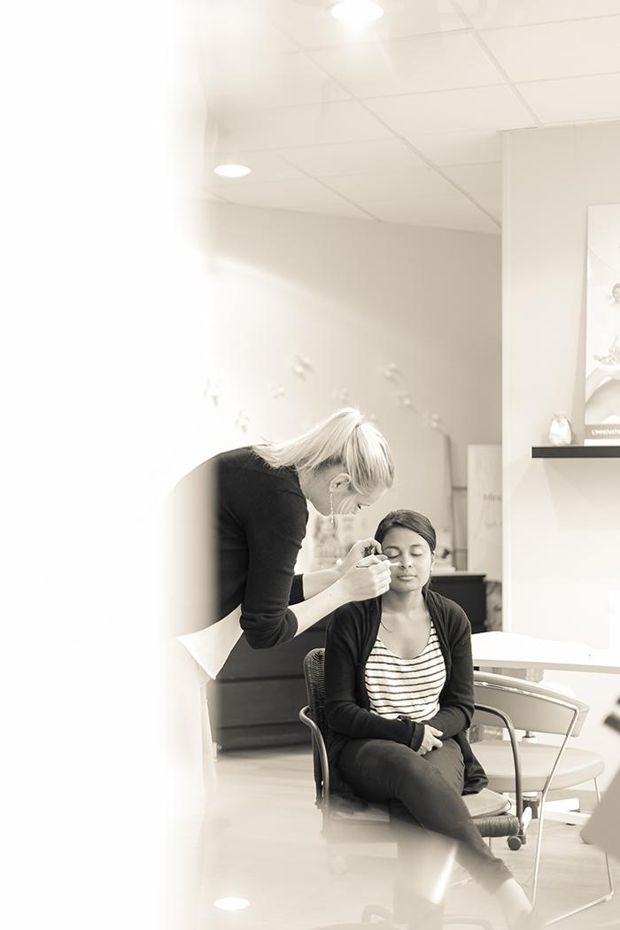 Photographie de mariage : les préparatifs (le maquillage de la mariée)