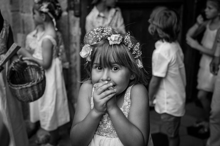 Demoiselle d'honneur en noir et blanc - photo artistique - par doctibphoto.com