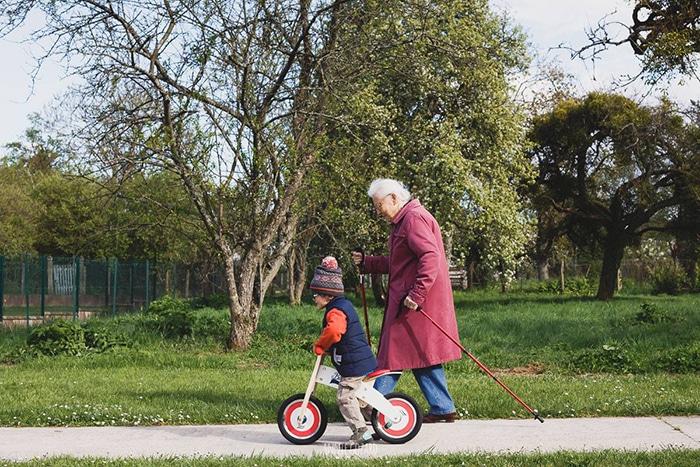 Apprendre à faire du vélo, reportage du quotidien, photographe de famille