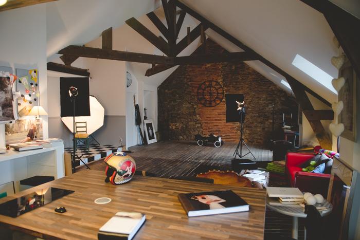 un espace vintage et masculin pour mettre en valeur ses modèles. Le studio photos de Patrice Dorizon.
