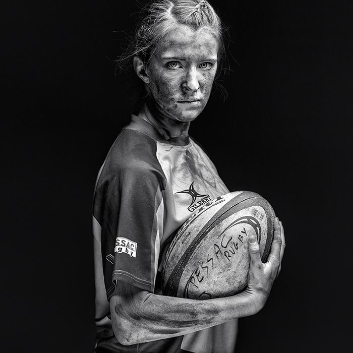 Joueuse de rugby - photographie artistique par Antoine Dominique
