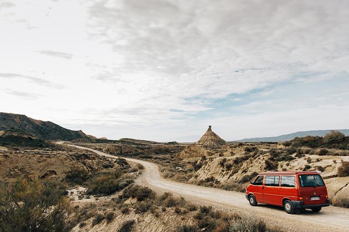 Carine, photographe amateur, aime tout autant les voyages, sa famille et son van...