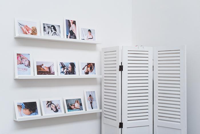 Le reveal wall. Un mur de portraits pour découvrir ses images, les matières, les supports et avoir envie de se faire plaisir.