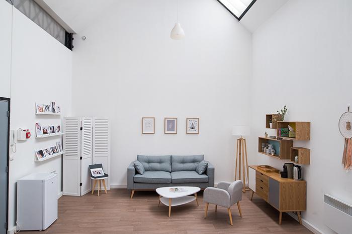 Studio photo : une espace pour recevoir les clients et les conseiller avant la séance.