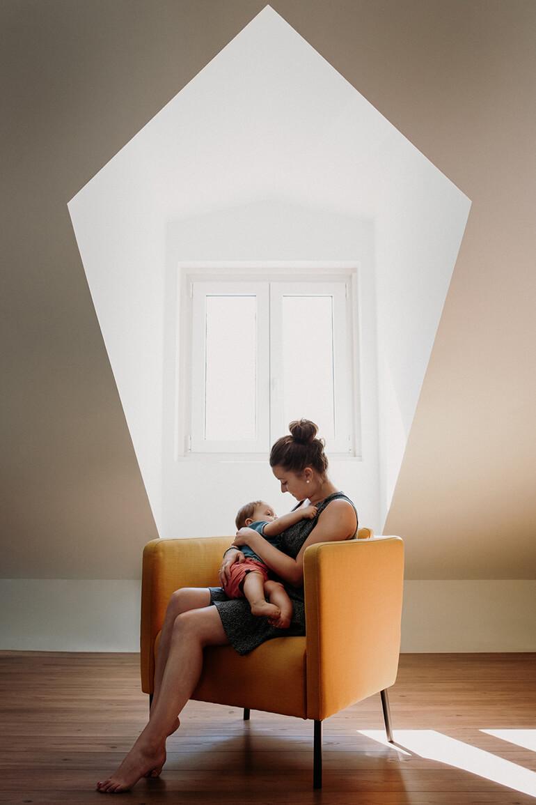 Photographie d'une maman avec son bébé